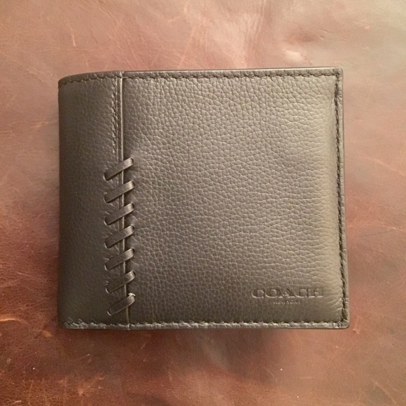 a9a27e0a4c66f Coach Men s 3-In-1 wallet with baseball stitching
